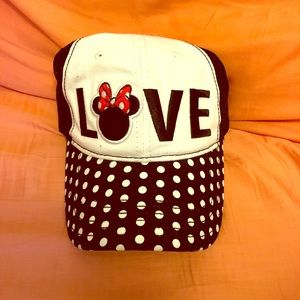 NWT Disney Minnie Mouse LOVE Hat
